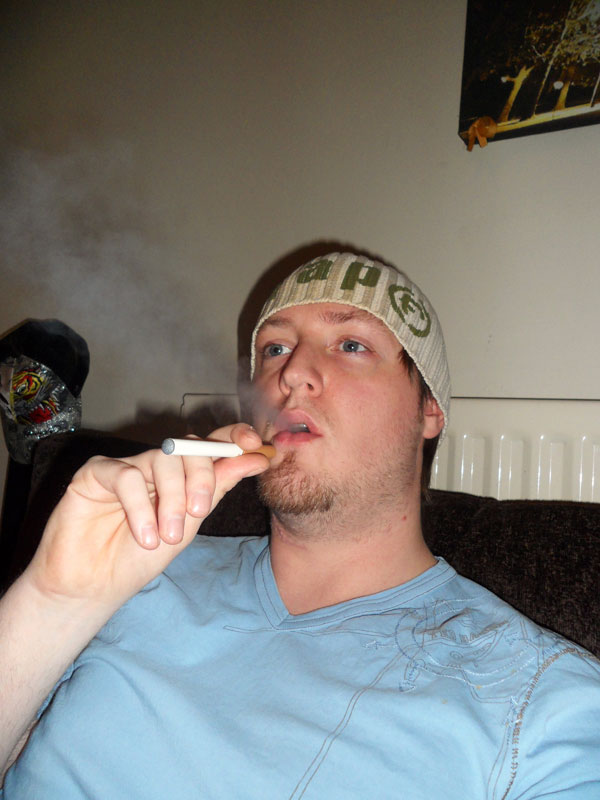 Exhaling the vapour from an electronic cigarette