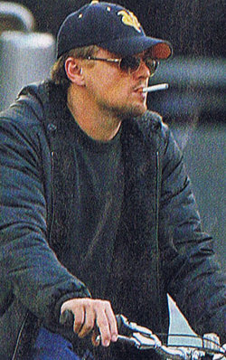 Leonardo with an e-cig.