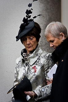 Dot Cotton at a funeral.