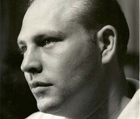 Black and white headshot of Herbert A Gilbert taken around the time he invented the e-cigarette.