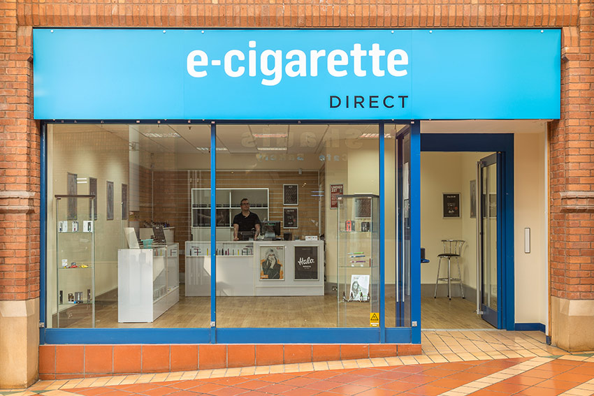 Bridgwater e-cig store: Shot from the outside.